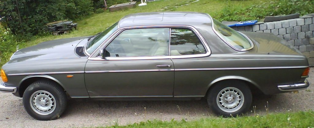 W123 280CE Side View