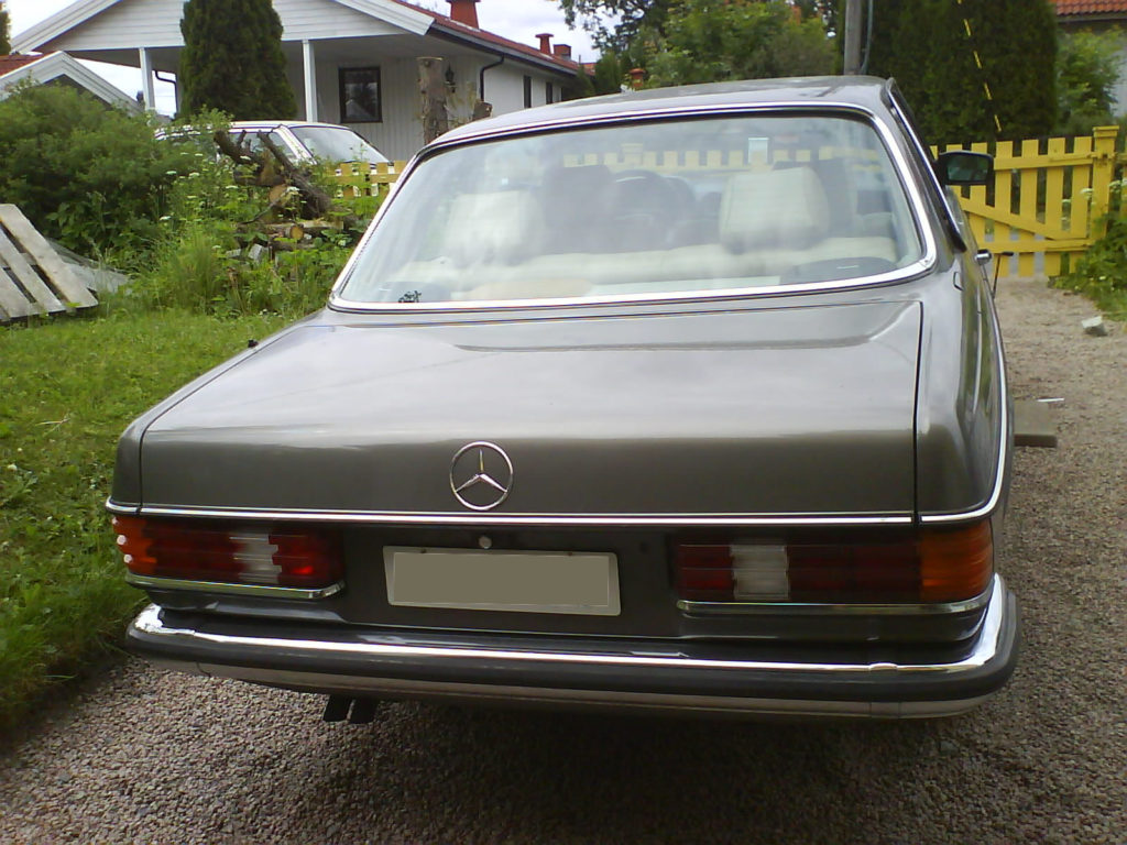 280CE W123 rear view