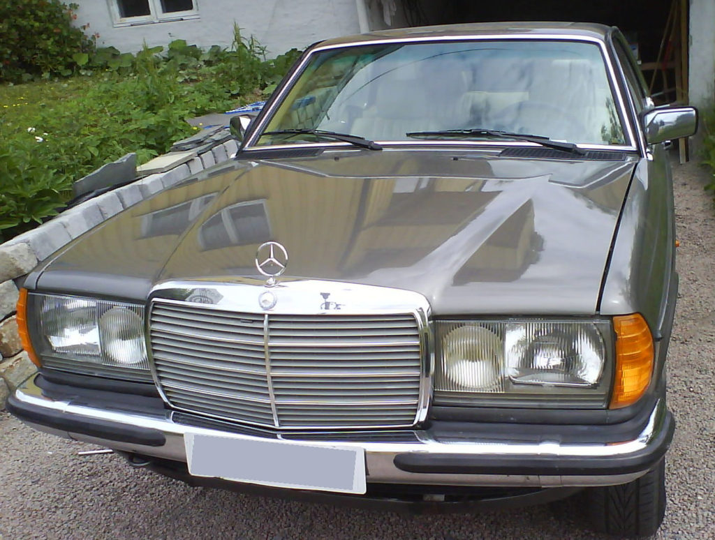 280CE W123 Front view