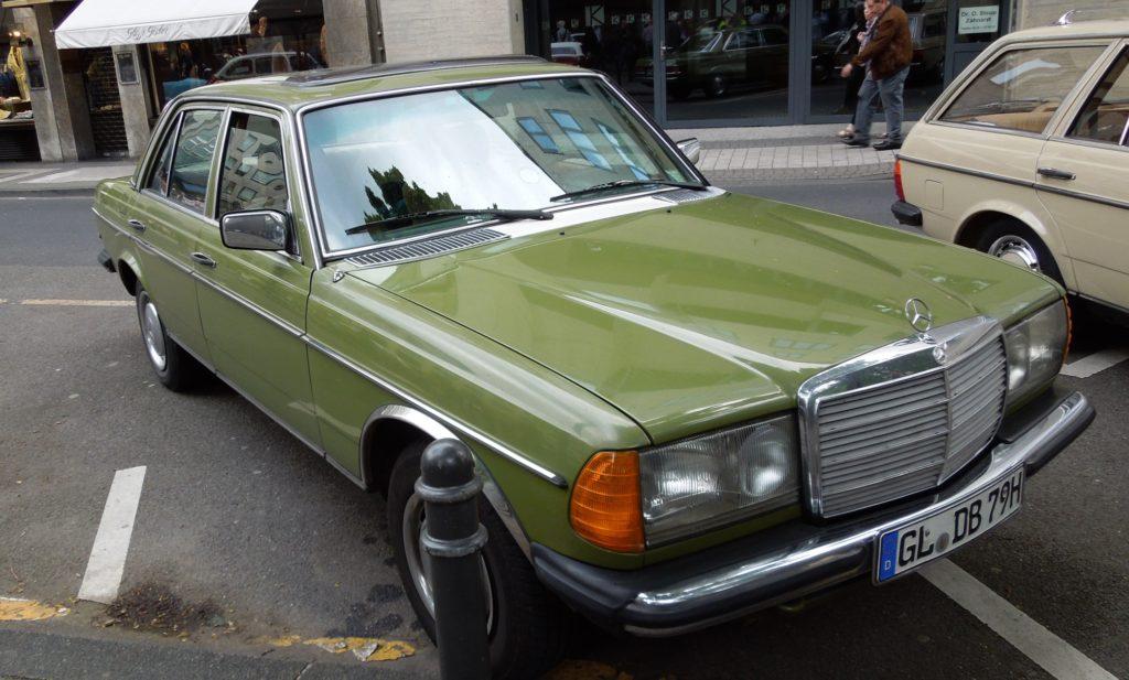 Mercedes W123 Sedan