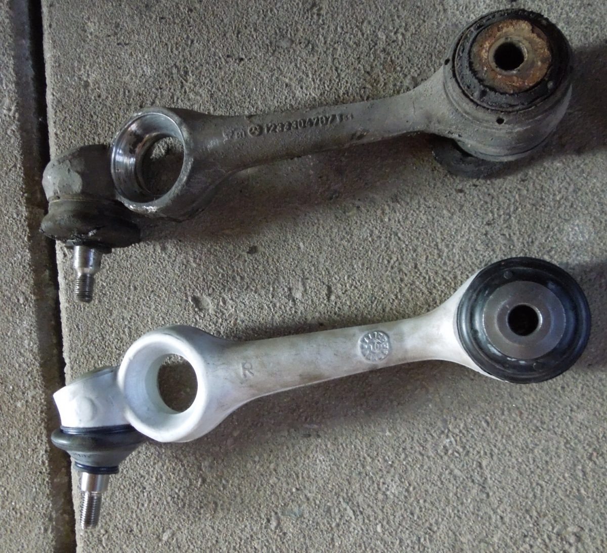 How to replace the upper control arm – Front suspension w123
