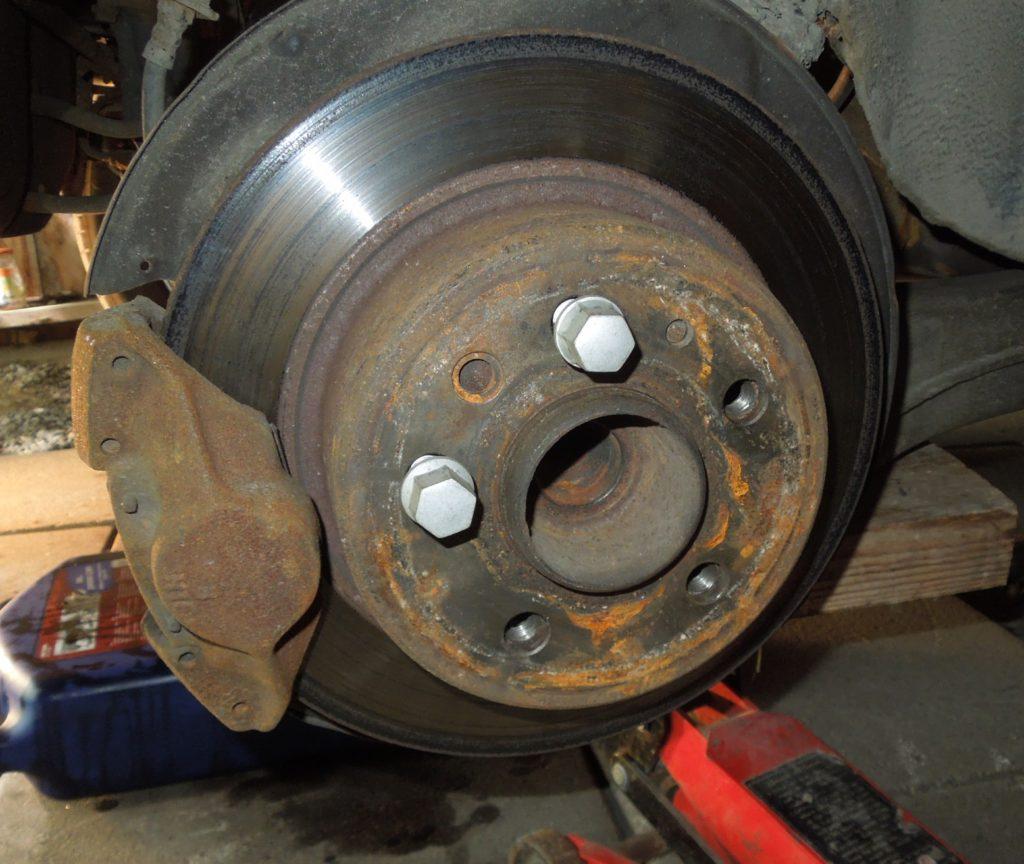axle bolt w123