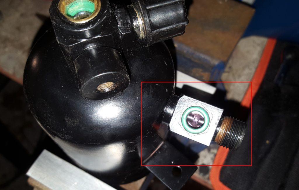 AC drier pressure sensor gasket