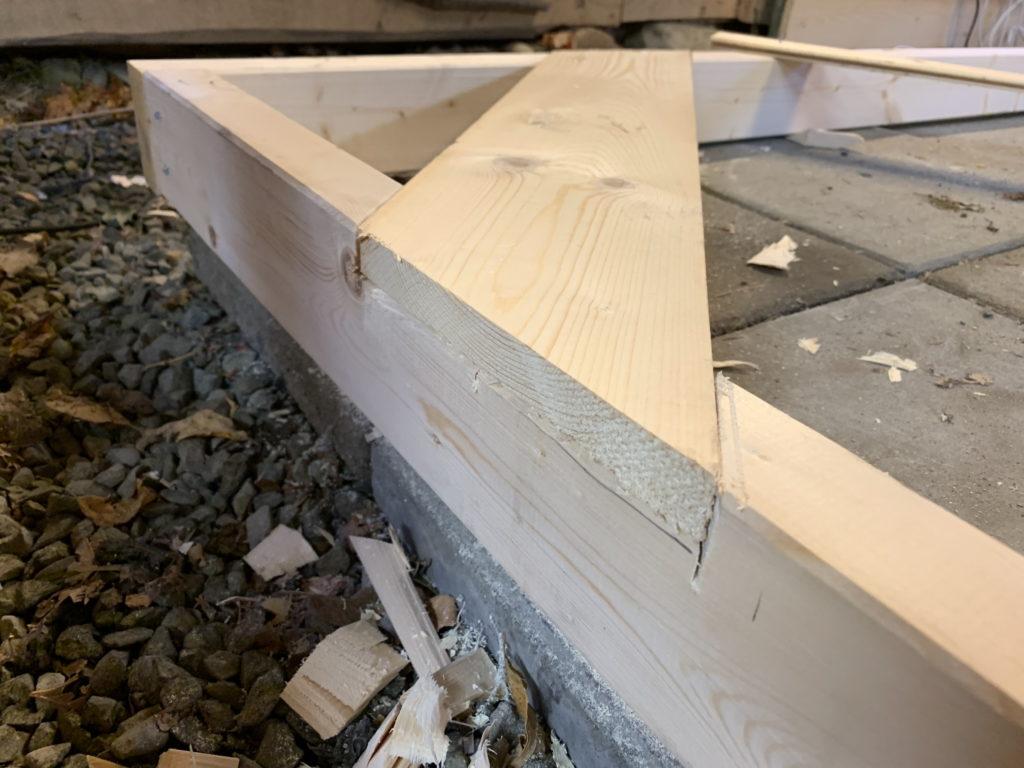 REcessed diagonal beams in frame